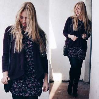 Go for a dark purple open cardigan and a black crossbody bag for a relaxed take on day-to-day wear. Add a glam twist to your getup with black suede ankle boots. So if you're looking for a kick-ass ensemble that will take you from winter to spring, this one fits the task well.