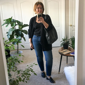 Black Leather Loafers Outfits For Women After 40: Wear a black open cardigan with blue jeans for a no-nonsense outfit that's also put together nicely. Introduce black leather loafers to this outfit for an extra touch of style.