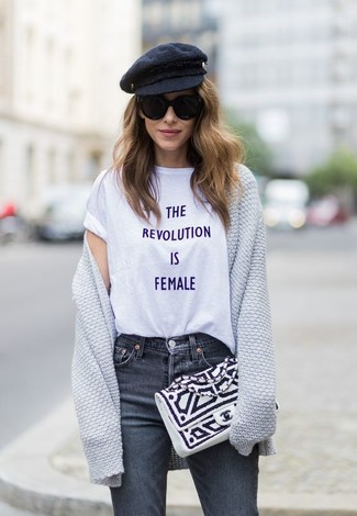 Consider pairing a Vivienne Westwood women's Anglomania T Shirts with charcoal jeans to create a chic, glamorous look. This ensemble is our idea of perfection for those warmer days of spring.