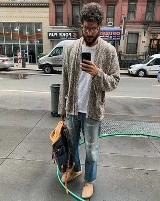 Navy Canvas Backpack Outfits For Men: For an outfit that's very simple but can be modified in many different ways, consider wearing a grey open cardigan and a navy canvas backpack. Tap into some Ryan Gosling dapperness and elevate your ensemble with a pair of tan suede loafers.