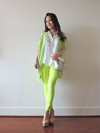 How to wear: green-yellow open cardigan, white sleeveless button down shirt, green-yellow jeans, tan suede pumps