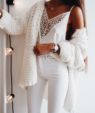 How to wear: white knit open cardigan, white lace tank, white skinny jeans, gold pendant
