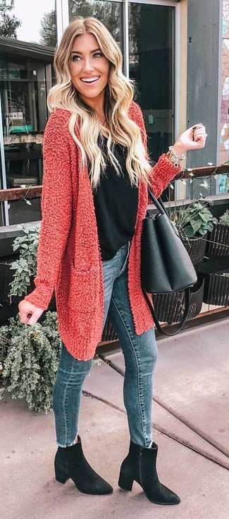 How to wear: red textured open cardigan, black tank, blue skinny jeans, black suede ankle boots