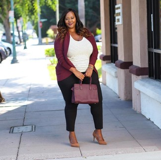 Look stylish yet practical in a Doo.Ri Long Sleeve Cardigan and black skinny pants. Why not introduce tan leather pumps to the mix for an added touch of style? An outfit like this makes it easy to embrace weird transeasonal weather.