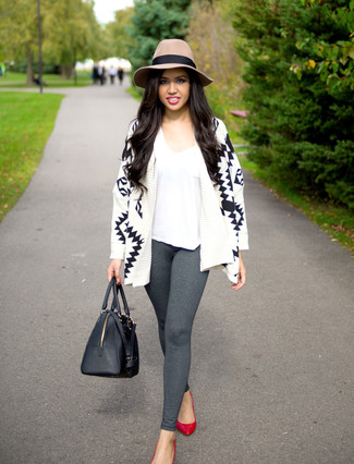 How to wear: white and black geometric open cardigan, white v-neck t-shirt, grey leggings, red leather pumps