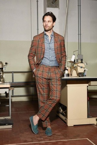 Light Blue Chambray Dress Shirt Outfits For Men: Marrying a light blue chambray dress shirt with an orange suit is a wonderful choice for a classic and sophisticated look. Rounding off with teal canvas tassel loafers is an effortless way to bring an easy-going touch to this ensemble.