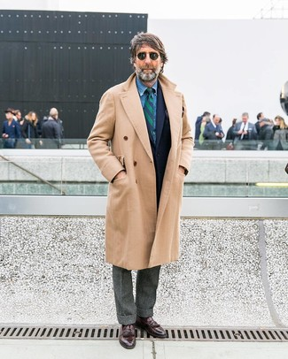 How to wear: beige overcoat, navy wool blazer, blue denim shirt, grey wool dress pants