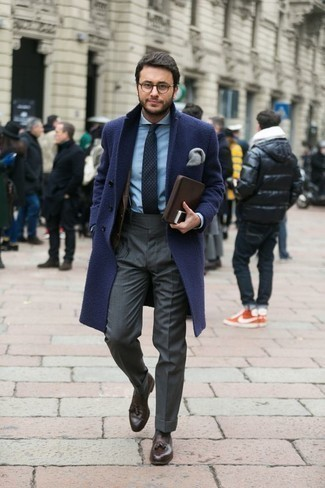 How to Wear a Dark Brown Plaid Blazer For Men: This is definitive proof that a dark brown plaid blazer and charcoal dress pants look amazing when paired together in a sophisticated look for a modern gentleman. This outfit is finished off really well with dark brown leather tassel loafers.