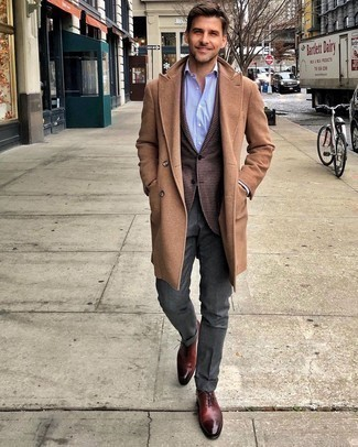 Camel Overcoat Outfits: A camel overcoat and charcoal dress pants are a refined getup that every modern guy should have in his sartorial collection. Complement your getup with burgundy leather oxford shoes and ta-da: this getup is complete.