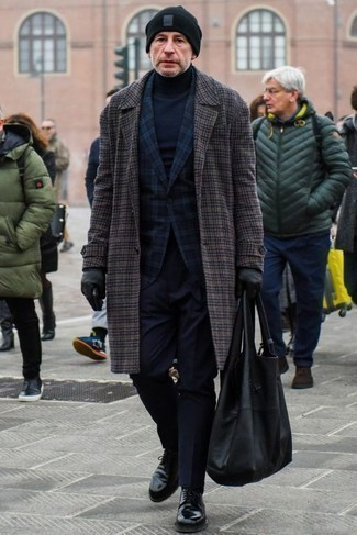 How to Wear an Overcoat: Teaming an overcoat and navy dress pants will be a true exhibition of your styling chops. For something more on the daring side to complement this outfit, introduce a pair of black leather derby shoes to your ensemble.