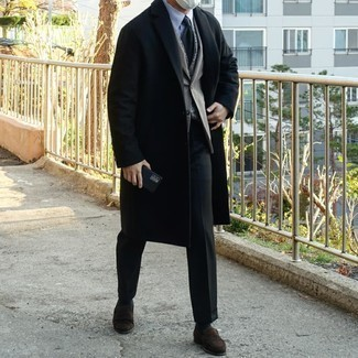 Grey Blazer with Black Dress Pants Outfits For Men: Teaming a grey blazer with black dress pants is a nice option for a smart and elegant outfit. A pair of dark brown suede loafers integrates nicely within a variety of combos.