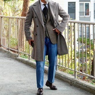 Blue Jeans with White Shirt Outfits For Men: Consider pairing a white shirt with blue jeans to be the picture of masculine sophistication. Feeling brave? Change things up a bit by finishing off with dark brown leather tassel loafers.
