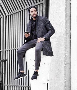 How to Wear a Beanie For Men: A charcoal overcoat and a beanie are the kind of a tested off-duty look that you so desperately need when you have zero time. For something more on the relaxed end to round off this ensemble, complete this look with black and white athletic shoes.