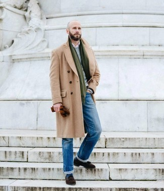 Olive Scarf Outfits For Men: For an outfit that's very straightforward but can be manipulated in a myriad of different ways, make a camel overcoat and an olive scarf your outfit choice. You can take a classic approach with shoes and complement this getup with dark brown suede tassel loafers.