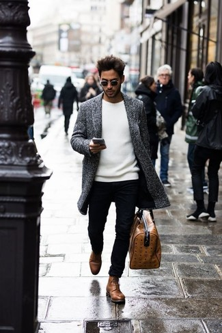 How to Wear a Brown Leather Holdall In Your 30s In Chill Weather For Men: This laid-back pairing of a grey overcoat and a brown leather holdall is ideal when you need to look dapper but have no extra time. A pair of brown leather casual boots will take your look down a classier path.