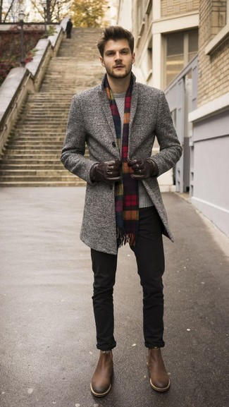 This pairing of a grey overcoat and black chinos is the perfect balance between sharp and casual. A cool pair of Gordon Rush Patterson Chelsea Boot is an easy way to upgrade your getup. Rest assured, this look will keep you warm as well as looking dapper in this in-between weather.