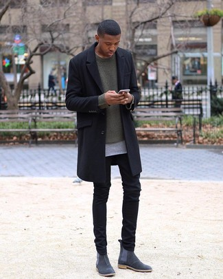 How to Wear an Olive Crew-neck Sweater For Men: This combo of an olive crew-neck sweater and black chinos is hard proof that a safe off-duty outfit can still look seriously dapper. Complete this look with charcoal suede chelsea boots to change things up a bit.