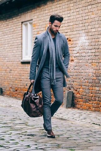 Consider pairing a grey overcoat with an Esprit men's Grid Check Scarf for a sharp classy look. Add dark brown leather oxford shoes to your outfit for an instant style upgrade. When it's one of those dull autumn days, sometimes only a cool getup like this one can cheer it up.