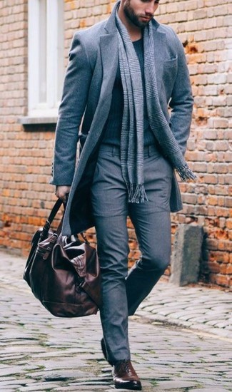 A grey overcoat and an Esprit men's Grid Check Scarf is a greatcombination for you to try. Turn your sartorial beast mode on and make dark brown leather oxford shoes your footwear choice. We love how perfect this combination is when colder weather hits.