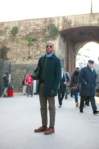 How to wear: navy and green plaid overcoat, olive crew-neck sweater, light blue chambray dress shirt, olive chinos