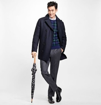 How to Wear Charcoal Dress Pants For Men: Teaming a navy overcoat with charcoal dress pants is a great idea for a dapper and classy outfit. To give your overall look a more relaxed finish, why not complement this getup with black leather chelsea boots?