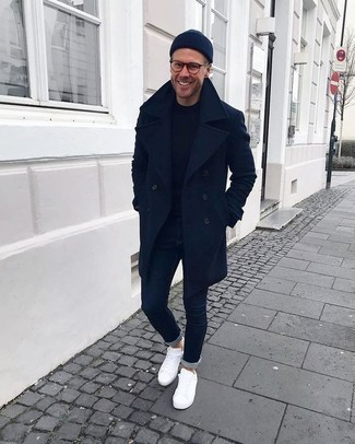 How To Wear Blue Jeans With White Low Top Sneakers In Chill