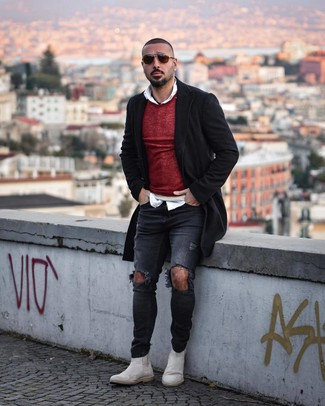 How to Wear a Burgundy Crew-neck Sweater For Men: Why not dress in a burgundy crew-neck sweater and charcoal ripped skinny jeans? As well as super comfortable, both of these items look awesome teamed together. Finishing off with a pair of white suede chelsea boots is a surefire way to bring a bit of zing to this getup.