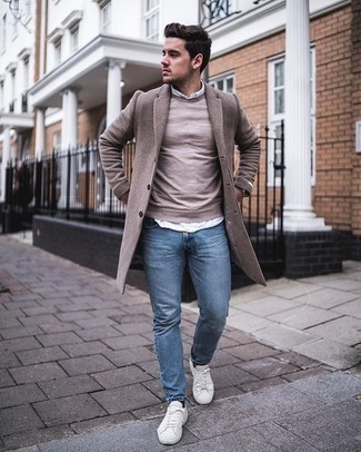Light Blue Jeans with White Shirt Outfits For Men: A white shirt and light blue jeans are both versatile menswear essentials that will integrate nicely within your daily styling routine. Why not add white canvas low top sneakers to the mix for a touch of elegance?
