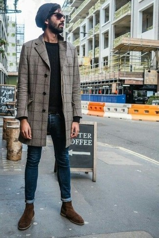 How to wear: grey check overcoat, black crew-neck sweater, navy skinny jeans, dark brown suede chelsea boots