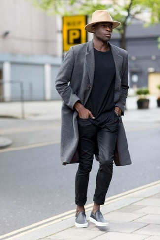 How to wear: grey overcoat, black crew-neck t-shirt, black jeans, black leather slip-on sneakers