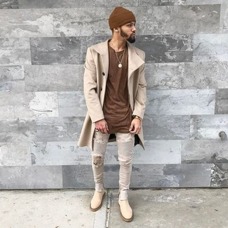 Opt for a brown crew-neck t-shirt and grey ripped skinny jeans for a casual-cool vibe. A pair of beige suede chelsea boots adds more polish to your overall look.  An easy-to-transition ensemble like this one makes it super easy to embrace the new season.