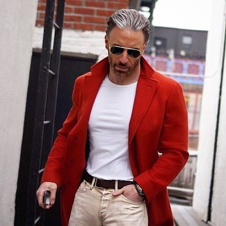 How to Wear Beige Skinny Jeans For Men: If you're searching for an off-duty and at the same time stylish getup, team a red overcoat with beige skinny jeans.