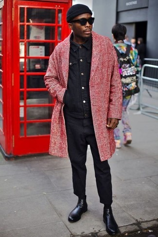 A red plaid overcoat and an Esprit Ribbed Beanie In Black are great essentials to incorporate into your current wardrobe. Round off with black leather chelsea boots and off you go looking great. When it comes to dressing for transeasonal weather, nothing beats a neat ensemble that will keep you warm and looking your best.