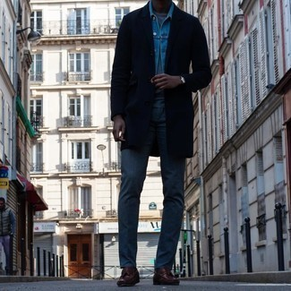 Light Blue Denim Jacket Outfits For Men: If you don't like getting too predictable with your outfits, try pairing a light blue denim jacket with blue jeans. Take this outfit in a more sophisticated direction by rounding off with burgundy leather tassel loafers.
