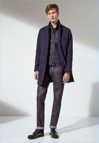 Charcoal Jeans Cold Weather Outfits For Men: Choose a navy overcoat and charcoal jeans if you're aiming for a sleek, dapper ensemble. Feeling brave today? Spruce up your outfit by sporting a pair of dark brown leather derby shoes.