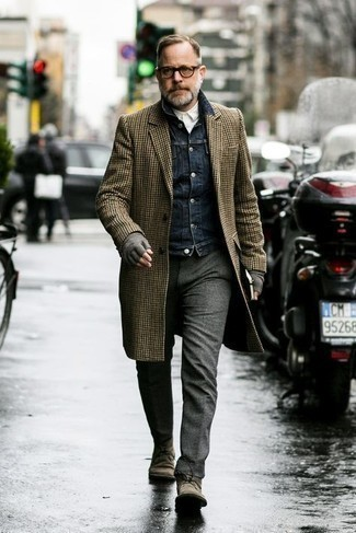 Brown Suede Desert Boots Outfits: This pairing of a brown houndstooth overcoat and charcoal wool chinos will allow you to show your expertise in men's fashion. For something more on the daring side to finish off your look, complement your ensemble with brown suede desert boots.