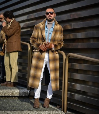 How to wear: camel plaid overcoat, light blue denim jacket, grey turtleneck, white skinny jeans