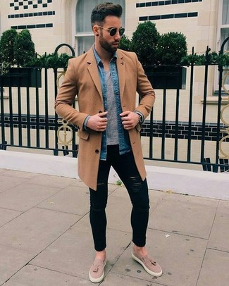 How to wear: camel overcoat, blue denim shirt, grey crew-neck t-shirt, black ripped skinny jeans