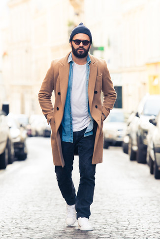 How to Wear a Blue Denim Shirt For Men: If you wish take your off-duty game to a new height, consider wearing a blue denim shirt and navy jeans. White low top sneakers integrate effortlessly within a variety of outfits.