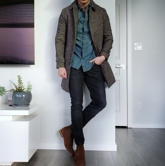 Blue Denim Shirt Smart Casual Outfits For Men: If you're after a laid-back but also on-trend outfit, consider wearing a blue denim shirt and black jeans. To bring some extra flair to this look, add dark brown suede chelsea boots to the equation.