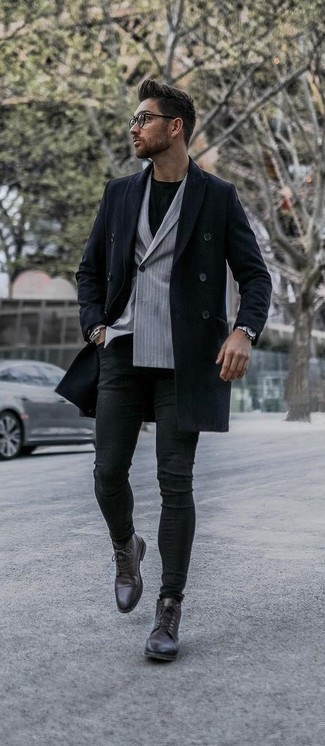Men's Looks & Outfits: What To Wear In 2020: A navy overcoat and black skinny jeans are a nice combination to keep in your day-to-day rotation. Introduce dark brown leather dress boots to this outfit to make the getup slightly more polished.