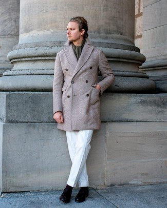 Olive Scarf Outfits For Men: This combo of a beige herringbone overcoat and an olive scarf combines comfort and confidence and helps you keep it clean yet contemporary. Add a confident kick to the outfit with black leather tassel loafers.