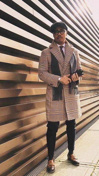 Black Leather Gloves Outfits For Men: A camel houndstooth overcoat and black leather gloves are a nice combo that will take you throughout the day. Tobacco fringe leather loafers will give a dose of elegance to an otherwise mostly casual outfit.