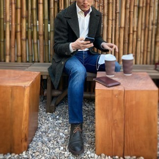 Blue Jeans with White Shirt Outfits For Men: You'll be amazed at how easy it is for any man to put together this effortlessly classic look. Just a white shirt and blue jeans. Bump up your whole look by finishing off with black leather desert boots.