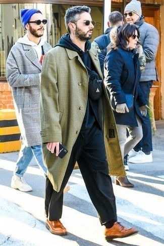 Navy Hoodie Outfits For Men: This on-trend ensemble is really pared down: a navy hoodie and black chinos. Transform your look with a pair of tobacco leather derby shoes.
