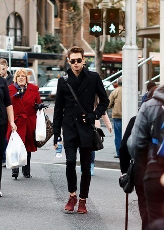 How to Wear Black Jeans In Cold Weather For Men: For a goofproof semi-casual option, you can never go wrong with this combo of a black overcoat and black jeans. Add a more relaxed feel to by slipping into a pair of burgundy suede desert boots.