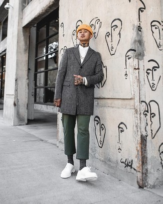 Dark Green Pants with White Shirt Chill Weather Outfits For Men: A white shirt and dark green pants are amazing menswear essentials that will integrate brilliantly within your day-to-day casual repertoire. Exhibit your refined side by finishing with a pair of white leather derby shoes.