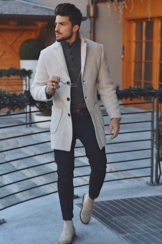 How to Wear a Charcoal Polo Neck Sweater For Men: This ensemble proves it is totally worth investing in such menswear items as a charcoal polo neck sweater and navy chinos. To add a little classiness to your outfit, complete your look with beige suede chelsea boots.