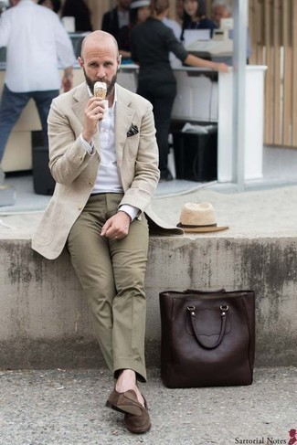 How to Wear a Beige Straw Hat For Men: If you're after a modern casual but also dapper look, consider pairing a beige overcoat with a beige straw hat. Our favorite of a great number of ways to finish off this outfit is with a pair of brown suede loafers.