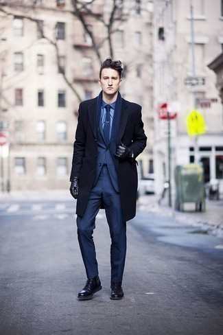 How to Wear a Scarf For Men: This edgy combo of a navy overcoat and a scarf is extremely easy to throw together without a second thought, helping you look awesome and ready for anything without spending a ton of time combing through your closet. Bump up the formality of this ensemble a bit by rocking a pair of black leather casual boots.